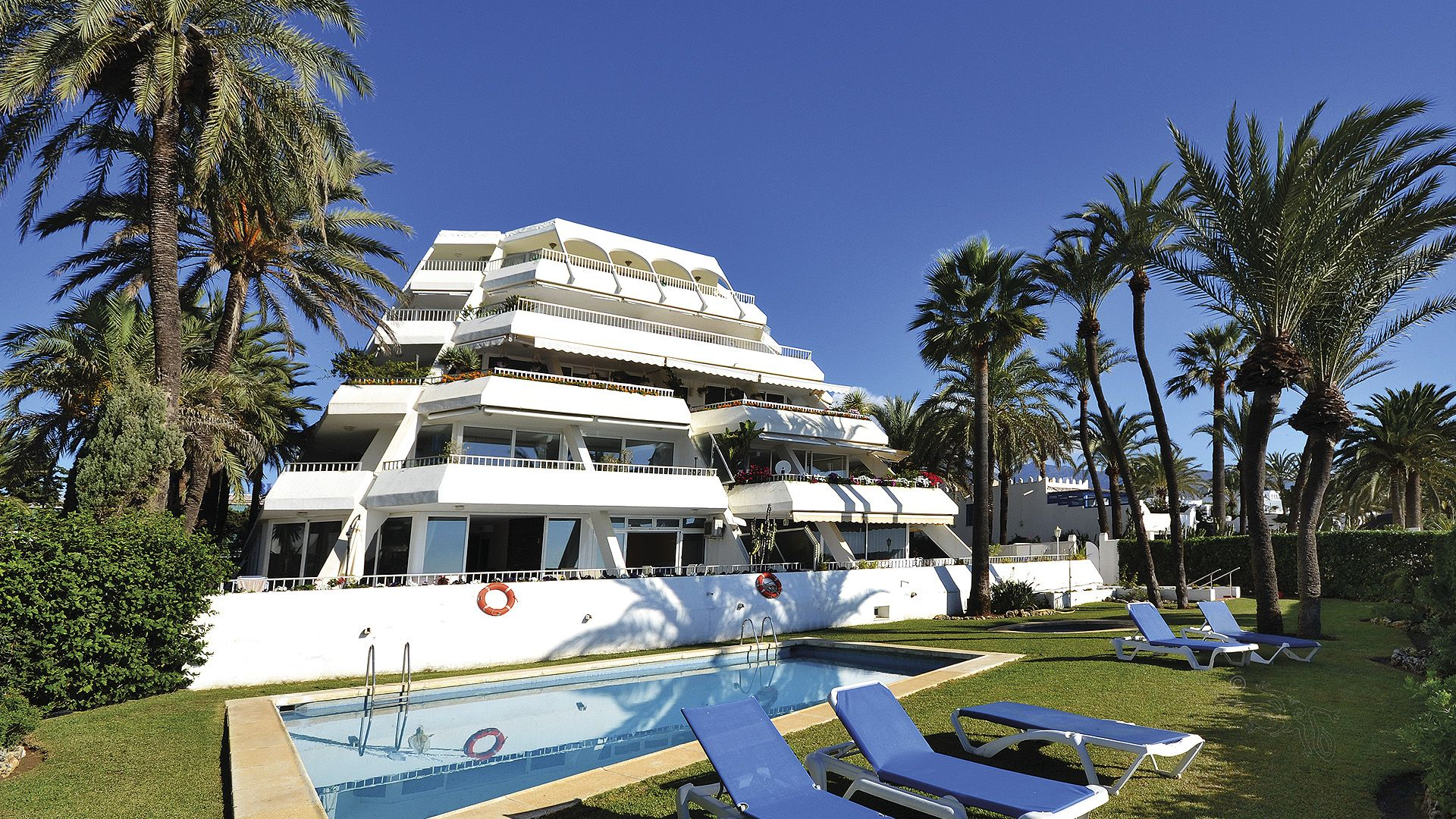 APARTMENT MARBELLA FIRST LINE BEACH